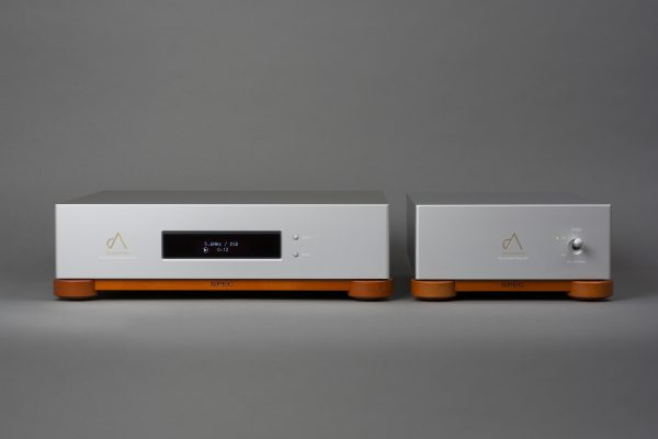 Hi-Fi media player - front picture