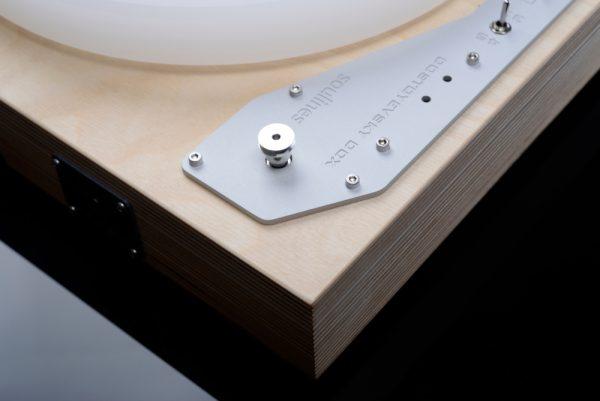Turntable detail